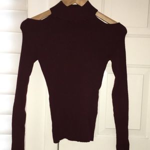 SUPER SOFT RIBBED TURTLE-NECK MAROON SWEATER